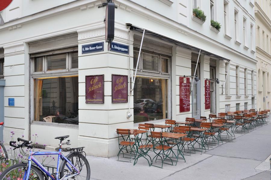 Schanigarten Gastgarten Vienne Blog Kunsthalle Amerling Beisl Mill terrasses