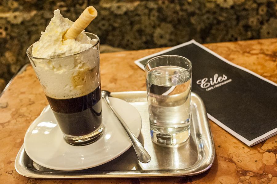Blog, Entropy, Kaffee Maria Theresia, Café Eiles, Cafés viennois, Kaffeehaus, Kaffeevariationen, Wien